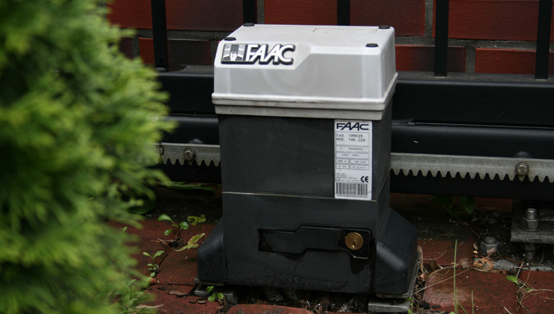 Why Faac 746 Is An Universal Sliding Gate Motor